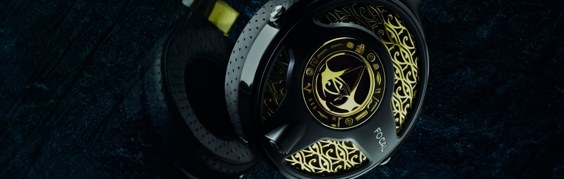Golden Assassin's Creed Origins Headset Revealed